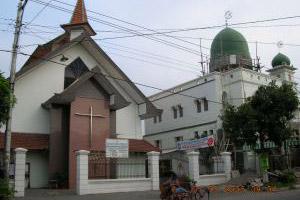 Gereja Dan Masjid Di Solo Berdampingan Wujud Toleransi Beragama